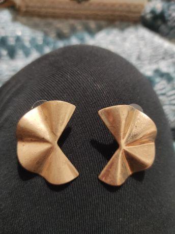 Brincos dourados Parfois e brincos dourados Vilanova