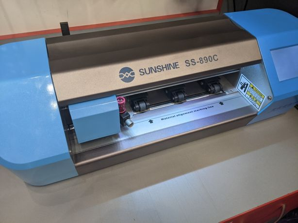 Плотер для нарезки гидрогелевой пленки Sunshine SS-890C