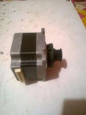 Шаговый двигатель 23HS0001-02 (драйвера NJM3771D2)