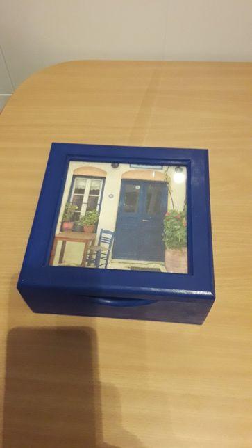 Caixa azul multi usos