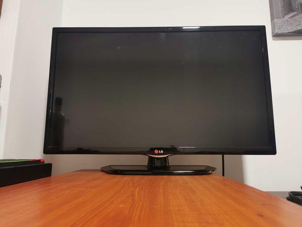 TV LG 32 polegadas (com avaria)