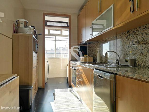 Apartamento T3+1 em Águas Santas