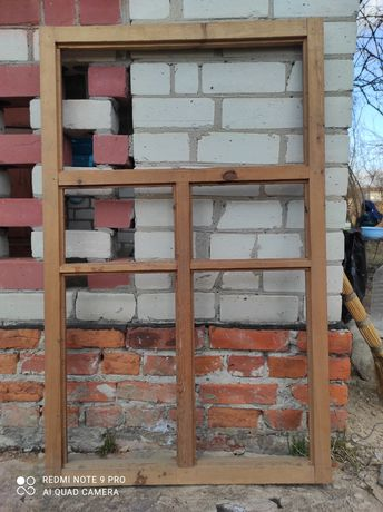 Новая  оконная деревянная рама