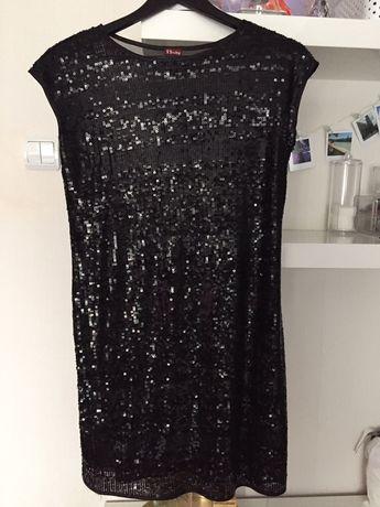 Маленькое чёрное платье в пайетках