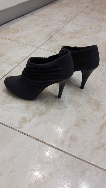 m&s ботильены, демисезонные ботинки, полуботинки 37 размера