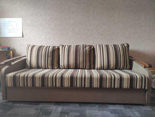 Диван раскладной с подушками Oscar