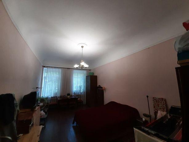 Двухкомнатная квартира, Старо-Базарный (Кировский) сквер