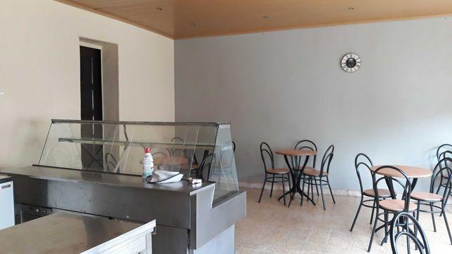 Aluga-se Café / Restaurante