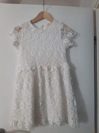 Sprzedam śliczną sukienkę na komunię i nie tylko . Stan jak nowa.