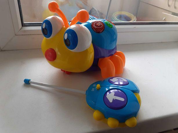 Музикальна іграшка Весела бджілка.