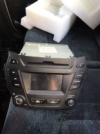 Штатная аудиосистема для автомобиля Хюндей Санта-Фе