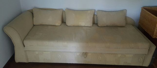 Tapczan (sofa) kolor beżowy