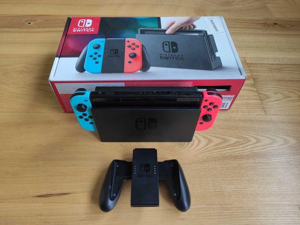 Nintendo Switch z pokrowcem i folią na szybie + kontroler Zelda gratis