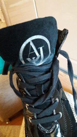 Sneakersy na koturnie ze skóry Armani