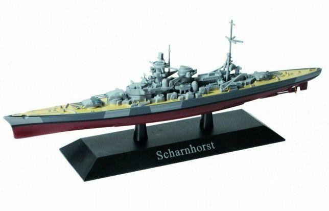 Navio de Guerra SCHARNHORST c/Submarino
