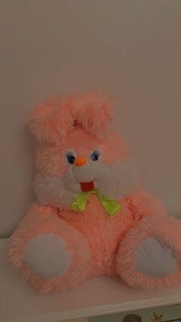 Мягкий большой розовый заяц