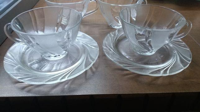Prl filiżanka z talerzykiem szkło francuskie