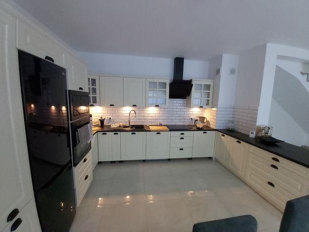 Kuchnia - meble + sprzęt (roczna)
