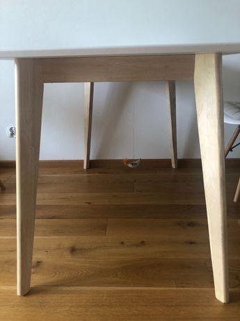 Stół biały, drewniane nogi, 120 x 80