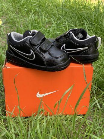 Кросівки дитячі nike, розмір 22, оригінал, є коробка