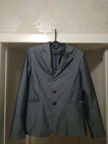Продам пиджак школьный р. 42 на мальчика.