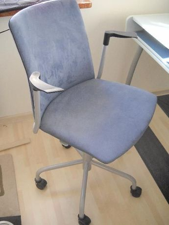 Krzesło młodzieżowe Black Red White