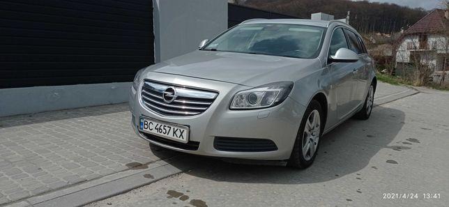 Opel Insignia/ Опель Ингигния. Универсал. Ксенон