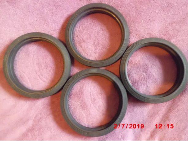 Комплект 4 литых жестких черных резиновых покрышек для колес кравчучки