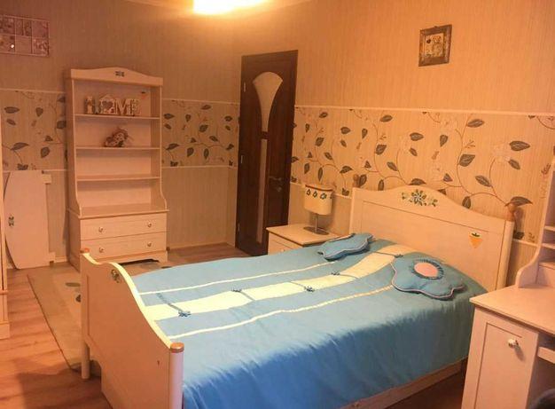 Продам ШИКАРНУЮ кровать из набора детской мебели Flora (Турция)