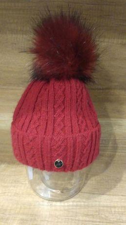 Damska czerwona czapka z polarem w środku