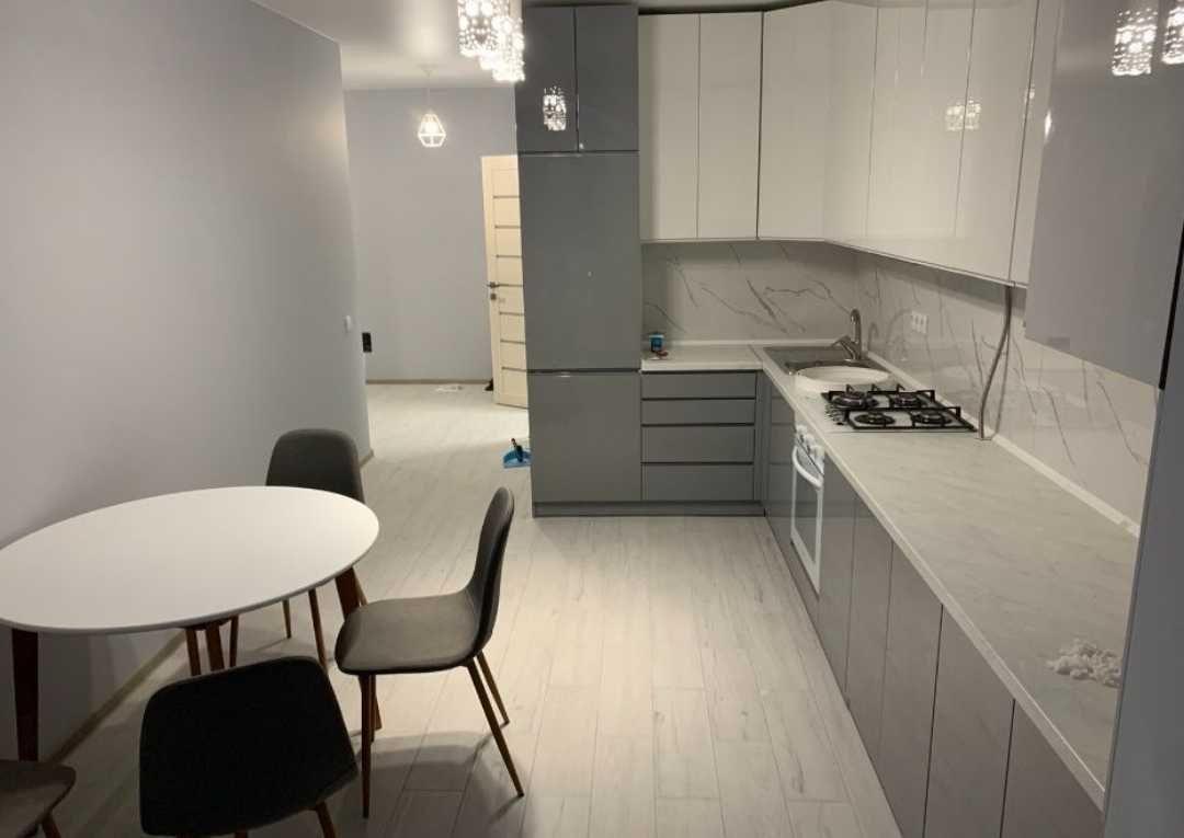Здається 2-кімнатна квартира з дизайнерським ремонтом!