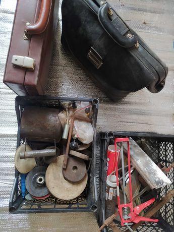 Чемоданы Инструменты