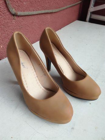 Туфлі жіночі, 38 розмір