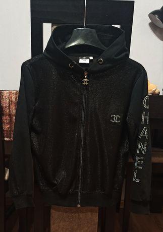 Bluza bomberka kurtka Chanel czarna krótka kaptur błyszcząca xs 34