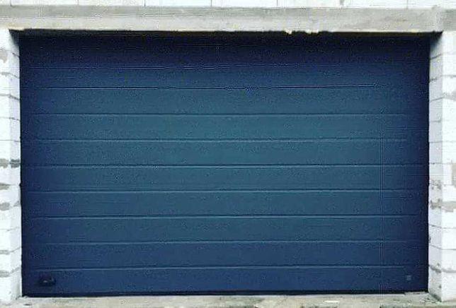Секционные ворота в гараж. Подъемные гаражные роллетные ворота