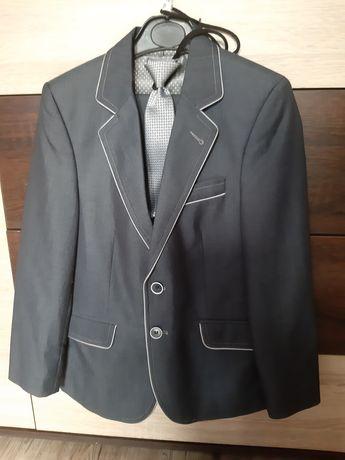 Śliczny 3 częściowy garnitur dla chłopca + gratis rozm128