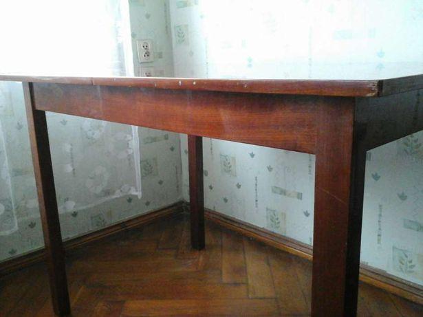 Stół rozsuwany.