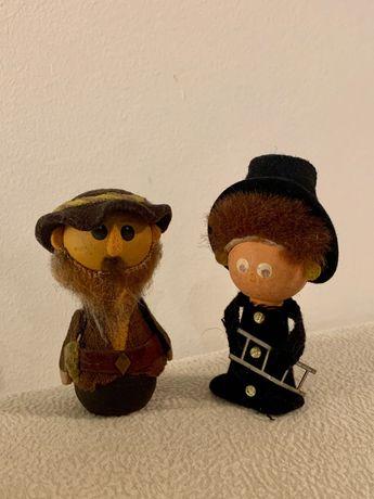 Dwie zabytkowe drewniane figurki - kominiarz i dziadek (PRL)