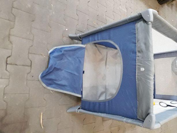 Łóżeczko turystyczne składane z moskitierą