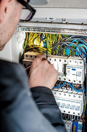 Elektryk, usługi elektryczne, instalacja elektryczna, elektryka