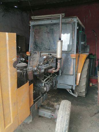 Ciągnik Renault 7421