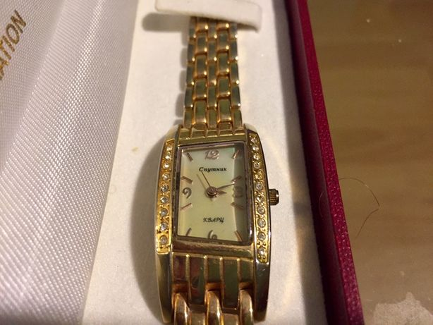 Продам кварцевые часы Спутник!