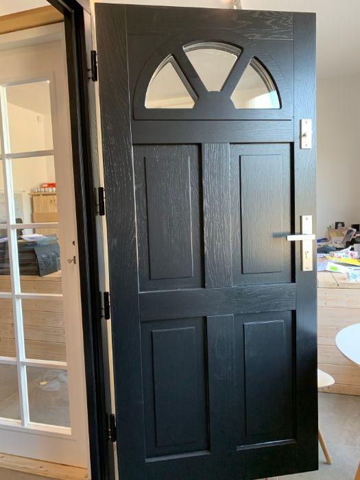 Drzwi Zewnętrzne Drewniane Ocieplane Czarne Czyste powietrze Grzybno - image 1