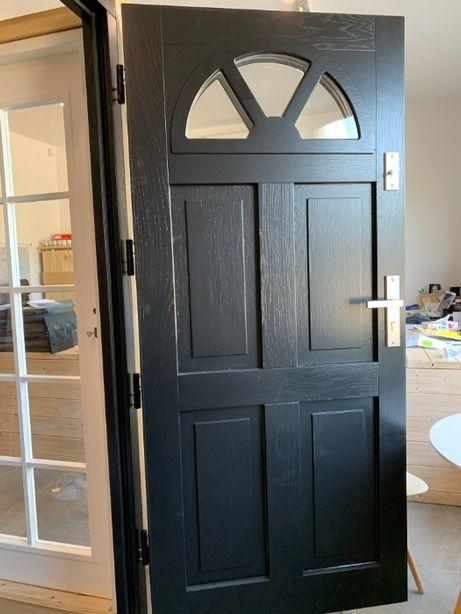 Drzwi Zewnętrzne Drewniane Ocieplane Czarne Od ręki Czyste powietrze