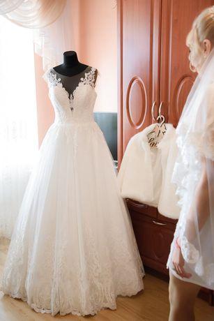 Продам весільне плаття
