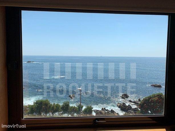 T5+1 Duplex na primeira linha com vistas mar