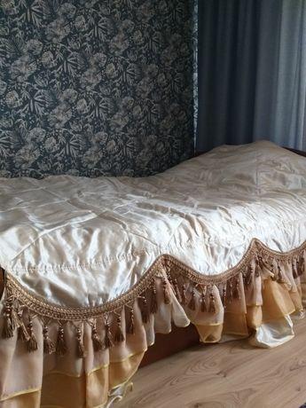 Покривало на ліжко, + ламбрикени