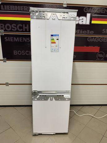 Шикарний холодильник Miele KFN 37692 встройка с льодогенератором !!