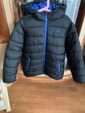 Продам куртку холодная осень-весна Benetton