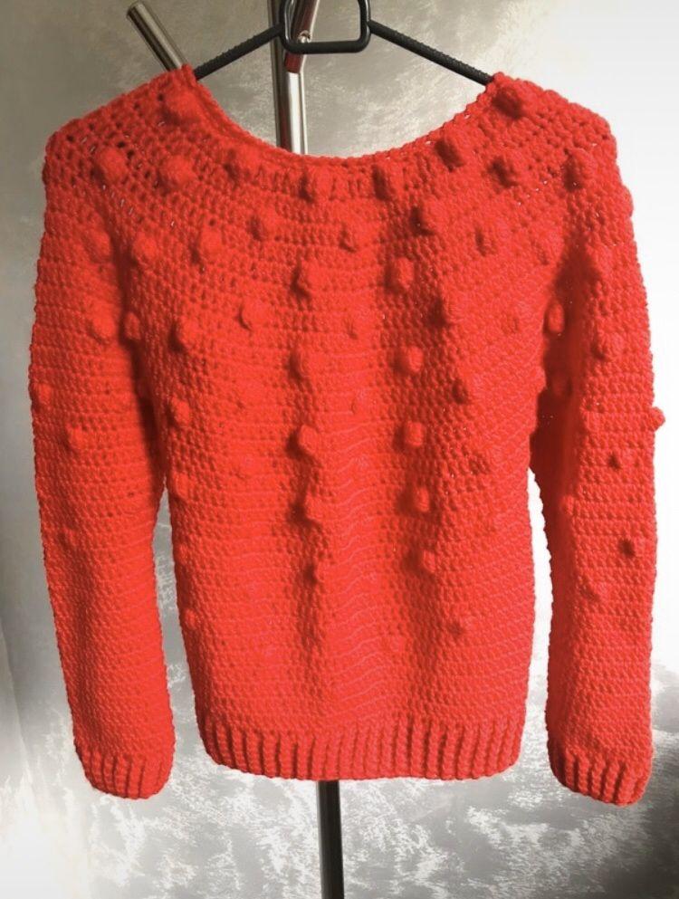 Czerwony sweter z bąblami / Ręcznie wykonany